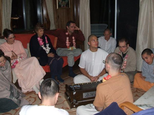 devotees-i.jpg