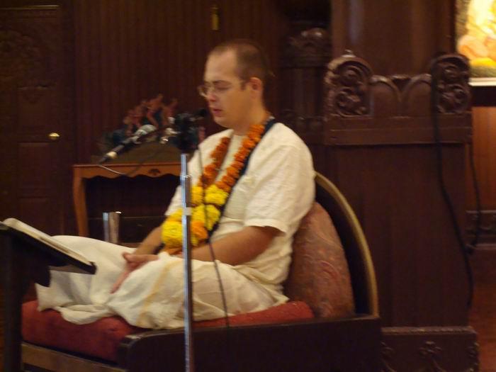 Janaka Mahajana Dasa Gives Class