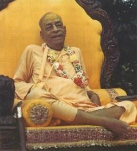 Srila Prabhupada on the yellow vyasasan at Madhuban.