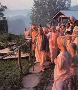 New Vrindaban residents greet Srila Prabhupada during an early morning walk, June 1976.