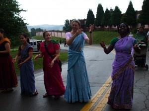 Sravanam, kirtanam, dancanam.