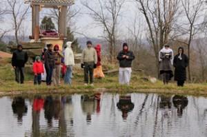 Pilgrims tour Govardhan.