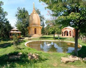 New Vrindaban Radha Gopinath Seven Temples