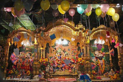 Radhastami Balloon offering in New Vrindaban