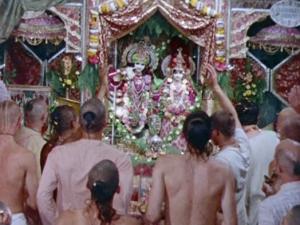 Kirtan Radha Vrindaban Chandra Bahulaban New Vrindaban early 1970s